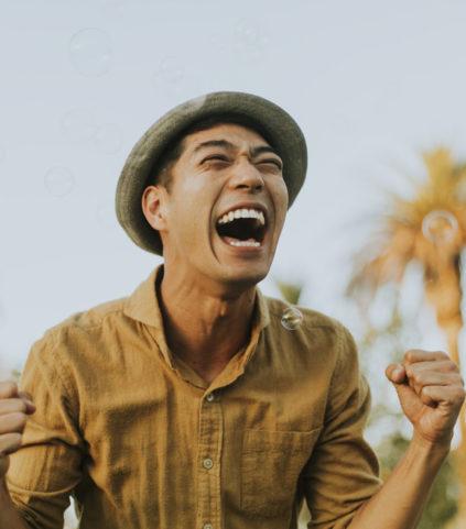 cheerful-man-in-the-park-CGVU28B